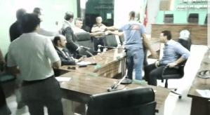 Vídeo: Deputado agride vereador durante depoimento na Câmara de Bayeux