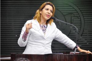 BASTIDORES: Convidada para comandar Patriotas na PB, deputada avalia convite