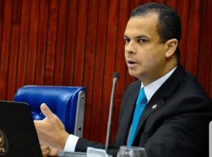 Jutay aguarda conversa com Cartaxo para entregar cargo; decisão trará mudança na ALPB