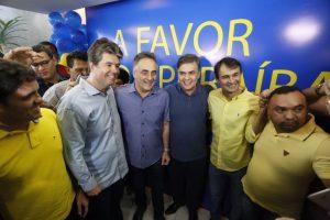 Luciano Cartaxo viaja com a família e frustra reunião das oposições