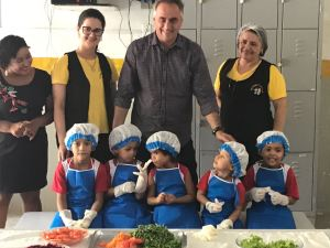 Luciano Cartaxo visita creche em tempo integral premiada pelo MEC