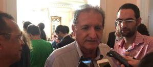 Governador recua e vai revogar criação da guarda pessoal para ex-governadores, garante Hervázio