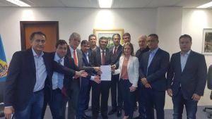 Ao lado de Ricardo, Gervásio vai a Curitiba prestar solidariedade a Lula