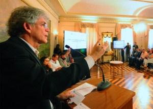 Ricardo reúne entidades para discutir soluções para crise com desabastecimento