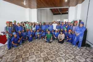 Na reta final das obras, operários do Villa Sanhauá recebem agradecimento de Cartaxo
