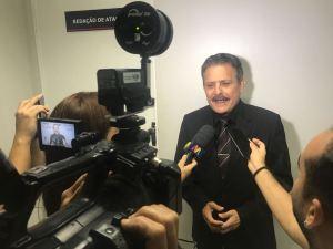 Tião Gomes diz que assina CPI da Granja Santana se incluir governos de Cássio e Maranhão