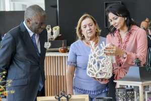 Primeira-dama Maísa Cartaxo recepciona embaixador de Angola e projeta parcerias na área da cultura