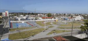 Prefeito entrega Praça da Família a moradores de Mangabeira VII, nesta segunda