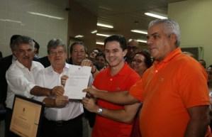 Eleições 2018: João Azevêdo registra candidatura no Tribunal Regional Eleitoral