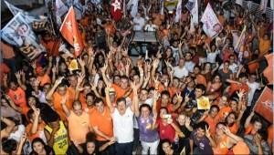 João e Luiz Couto 'arrastam' multidão pelas ruas de Mandacaru na Caminhada do Trabalho