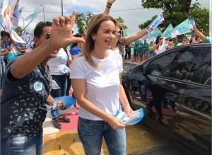 Daniella participa de adesivagem em João Pessoa e cumpre agenda no interior neste domingo