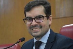 Lucas apresenta PL que regulamenta transporte de passageiros por uso de aplicativos