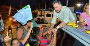 """""""Lucélio vai reduzir o déficit habitacional e garantir moradia de qualidade a milhares de paraibanos"""", afirmou Cartaxo em carreata na Zona Sul"""