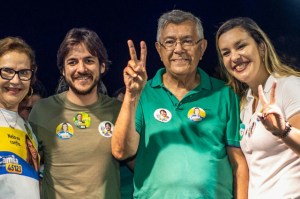 Camila Toscano inaugura de comitê em Guarabira e recebe apoio da população