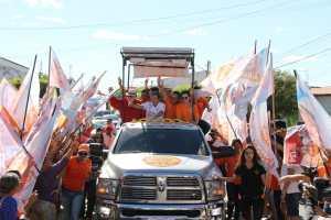 João inicia Caravana do Trabalho no Alto Sertão, garante recuperação de estrada e celebra chegada da água na região