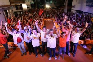 Caravana do Trabalho: João garante obras e diz que está pronto para governar a Paraíba durante comício em Queimadas