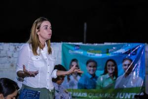 """Em Caaporã, Daniella defende aproximação entre o Senado e os paraibanos: """"Quero que o Senado seja familiar a vocês"""""""