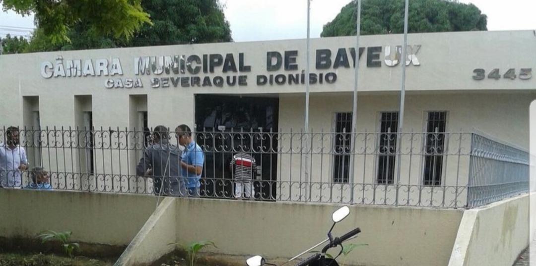 Lideranças políticas organizam mobilização por eleições diretas em Bayuex e fecham avenida Liberdade