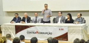 Prefeito faz abertura de evento para debater transparência pública e mecanismos anticorrupção
