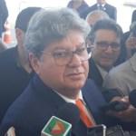João Azevêdo rebate aliados sobre falta de diálogo e diz que é o governador que mais tem recebido deputados