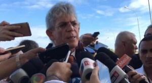 Após silêncio, Ricardo Coutinho volta à cena e participa de seminário em João Pessoa