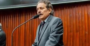Tião Gomes surpreende e retira candidatura para Adriano Galdino no 2° biênio