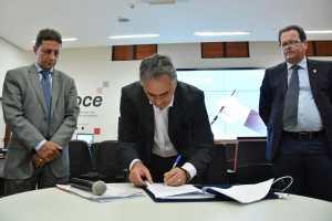 Cartaxo assina protocolo de intenções com o presidente do TCE para cooperação