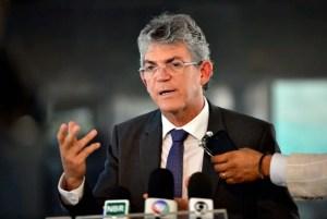 Operação Calvário:  Ricardo Coutinho mantém silêncio e promotores investigam campanhas