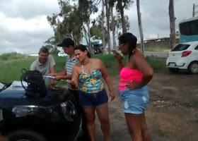 Turistas denunciam cobrança de pedágio e violação do direito de ir e vir no Conde