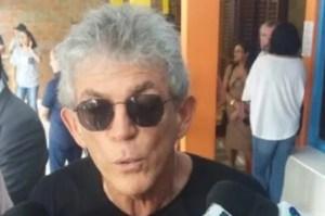 Ricardo Coutinho é visto em Brasília e passa o dia em cartório na Região dos Lagos