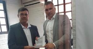 Julian Lemos se reúne com Vítor Hugo e anuncia liberação de R$ 370 mil para saúde de Cabedelo