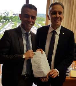 Aguinaldo Ribeiro recebe representantes de cidades paraibanas e trata sobre liberação de recursos