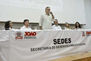 Luciano Cartaxo amplia programa Bolsa Universitária e PMJP passará a auxiliar 400 estudantes com ajuda financeira