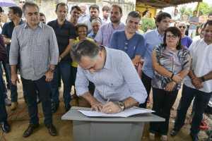 Prefeito autoriza início das obras do Mais Pavimentação e Rua do Desenvolvimento ganha mais infraestrutura