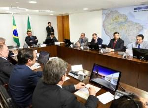 João Azevêdo se reúne com Bolsonaro em Brasília para discutir ações na Educação