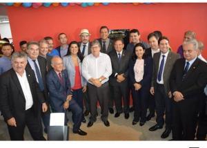 Após críticas de Ricardo, João Azevêdo mostra total sintonia com G10 durante inauguração em Guarabira