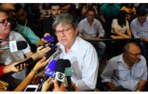 João Azevêdo admite divergências, mas nega racha interno no PSB