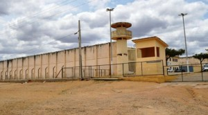 Presídio passa por reforma para receber Roberto Santiago e outros presos recolhidos nos quartéis militares