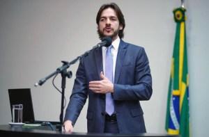 Pedro defende menos privilégios da classe política e judiciário e mais investimentos em instituições como Apae