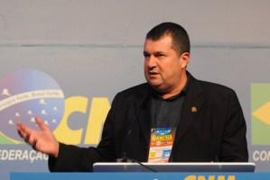 Presidente da Famup anuncia saída do PSB e prevê debandada de prefeitos do partido