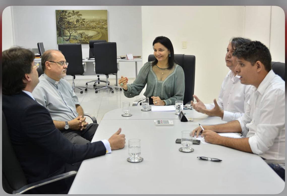 Prefeitura disponibiliza equipamentos para distribuição de sopão no Centro da Capital