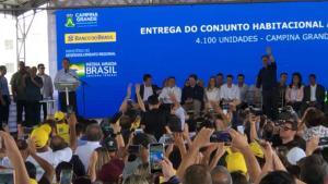 VÍDEO: Mesmo sem mandato, Cássio rouba cena, recebe elogios de Bolsonaro e fatura politicamente durante inauguração em CG