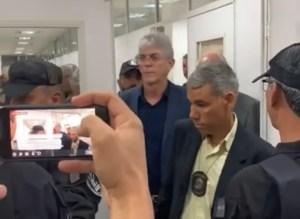 Ministra do STJ nega pedido de Ricardo e ex-governador continua com tornozeleira eletrônica