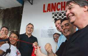 Luciano Cartaxo visita Mercado do Geisel e entrega obras de urbanização que melhoram infraestrutura para comerciantes e consumidores