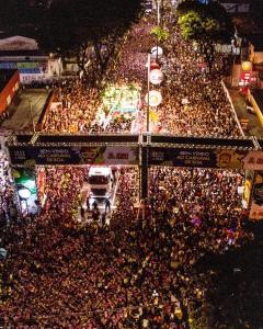 Com apoio da PMJP, bloco arrasta milhares de foliões no Via Folia no segundo dia do Folia de Rua
