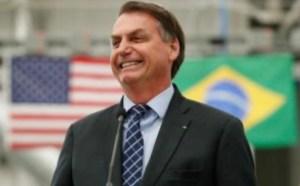 Bolsonaro revoga trecho de MP que previa suspensão de contratos de trabalho por 4 meses