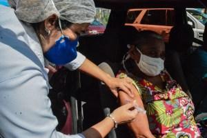 PMJP recebe novas doses de vacina e campanha contra influenza de idosos e trabalhadores da saúde será retomada nesta segunda