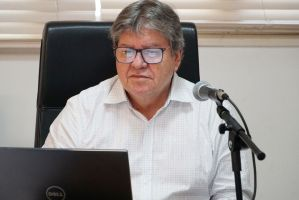 """""""Onde vamos parar?"""" reage governador João Azevêdo sobre saída de Teich"""