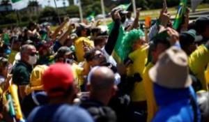 Atentado à democracia: No dia da liberdade de imprensa, jornalistas são agredidos e proibidos de cobrir protesto em Brasília; veja vídeo