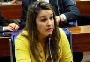 Camila afirma que morte do ex-prefeito Dinaldo Wanderley deixa uma lacuna na política paraibana